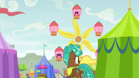 Spur notices Crusaders going to Ferris wheel S9E22