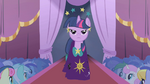 Twilight stepping out S1E14
