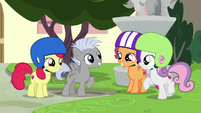 Cutie Mark Crusaders happy for Chipcutter S7E6
