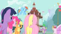 Main ponies and Spike panicking S01E19