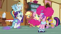 Pinkie Pie skates past her friends S5E21