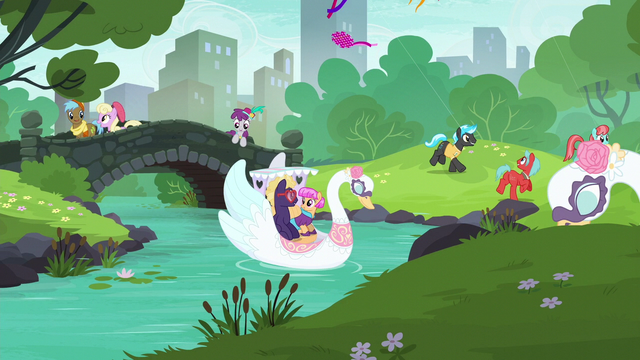 File:Ponies mingling in the Manehattan park S6E3.png