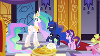 Princess Luna -fruit faces on pancakes- S7E10
