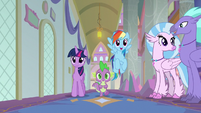 "Rainbow sings ""Hippogriffs hang in the hall"" S8E2"