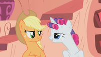 "Rarity ""rubbing it in"" at Applejack S1E8"