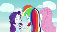 Rarity helps Rainbow Dash and Fluttershy up EG4