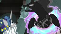 Star Swirl watches Pony of Shadows struggle S7E26