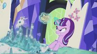 Starlight Glimmer crumples the scroll S5E25