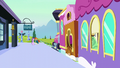 Starlight walking to the train S6E2.png