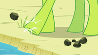 Thorax kicks rocks into the lake S7E15