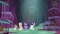 Twilight Sparkle counting the creatures S8E26