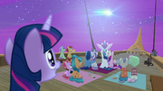 Twilight Sparkle sees the Northern Stars pass over S7E22