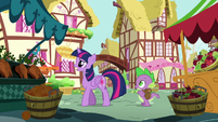 Twilight and Spike walking S5E22