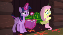 Twilight crumples a piece of paper S5E23
