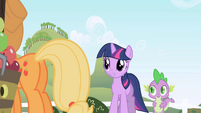 Twilight to Applejack --Good afternoon-- S1E01