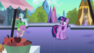 201px-Spike running up to Twilight S3E2