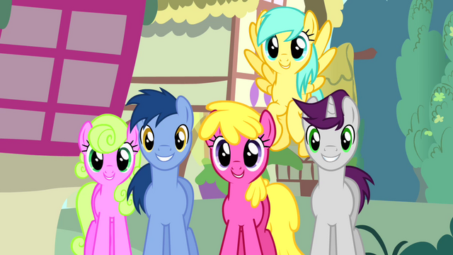 """File:Crowd of ponies """"no other pony like her"""" S4E12.png"""