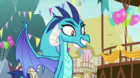 Ember thanking Spike for the welcome S7E15