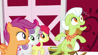 """Granny Smith """"who goes there?!"""" S9E23"""