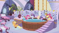Pinkie Pie hot tub spa S1E09