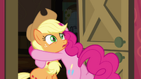 Pinkie Pie hugging Applejack S4E09