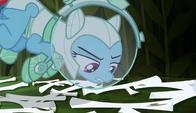 S05E21 Rainbow Dash uważa, że to pomalowane na biało patyki