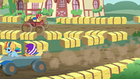 Scootaloo calls out to Apple Bloom on the track S6E14