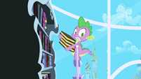 Spike about to fall S1E01