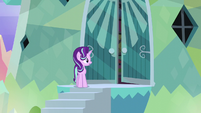 Sunburst's door cracking open S6E1