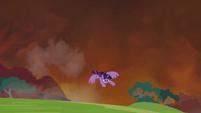 Twilight flies away S4E26