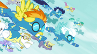 Wonderbolts and Pegasi flying toward Tirek S4E25