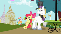 Apple Bloom and Snobby Stallion S2E17