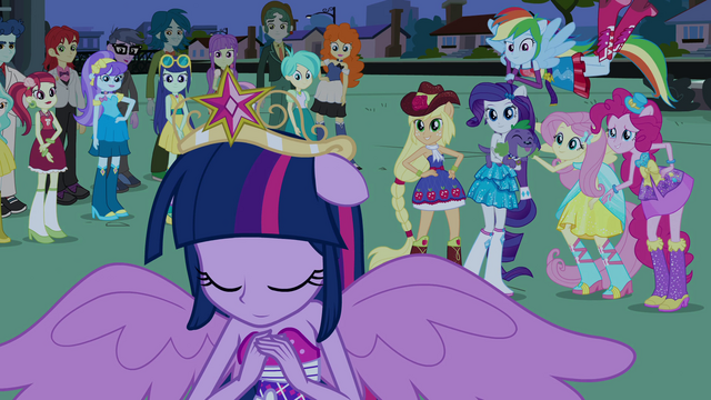 File:Girls looking at Twilight EG.png