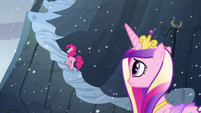 Pinkie travels up the mountain S5E11