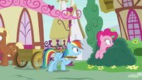 Rainbow diverts Pinkie's attention away yet again S7E23