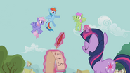 S02E20 Rainbow Dash, Twilight Merry i Rainbowshine