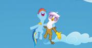 S05E08 Gilda i Rainbow śpiewają obozową piosenkę
