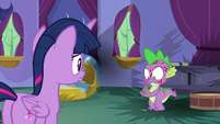 Spike holding ashes in his hands S8E11