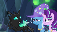 Thorax --the castle will be crawling with guards-- S6E26
