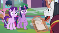 Twilight pretending there are no problems S8E1