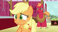 Young Applejack --it's the apple blight!-- S6E23