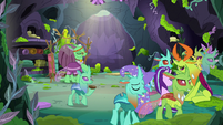 Changelings leaving the feelings forum S7E17