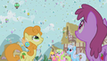 Ponies marvel at the parasprites S1E10.png