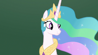 Princess Celestia glancing around S8E7