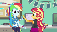Rainbow Dash giving memory card to Sunset EGFF