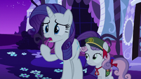 Rarity --what's happening--- S6E15