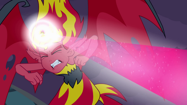 File:Sunset crown reacts to Twilight's magic EG.png