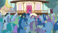 """Twilight """"please welcome... the Breezies!"""" S4E16.png"""