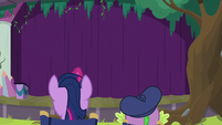Twilight and Spike look at the theater S8E7