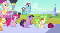 Twilight welcomes Ms. Peachbottom S03E12